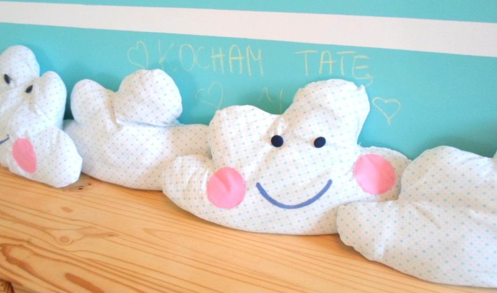 Poduszka w kształcie chmurki DIY