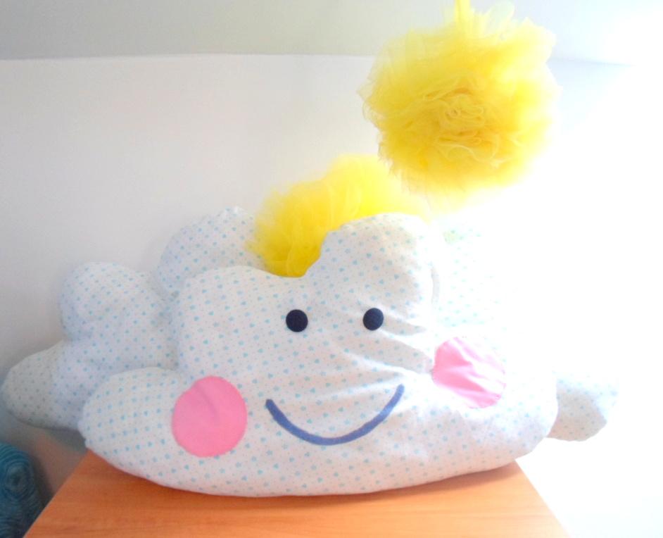Poduszka w kształcie chmurki